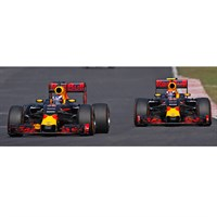 Red Bull Racing RB12 2 Car Set - 1st & 2nd 2016 Malaysian Grand Prix - #3 D. Ricciardo & #33 M. Verstappen 1:43