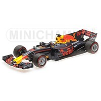 Minichamps Red Bull RB13 - 2017 Malaysian Grand Prix - #3 D. Ricciardo 1:18