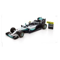 Spark Mercedes W07 w. Figure & Celebratory Pit Board - 2016 World Champion Abu Dhabi Grand Prix - N. Rosberg #6 1:18