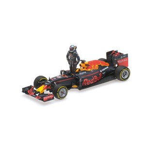 Minichamps Red Bull Racing RB12 With Figure - 2016 Austrian Grand Prix - #3 D. Ricciardo 1:43